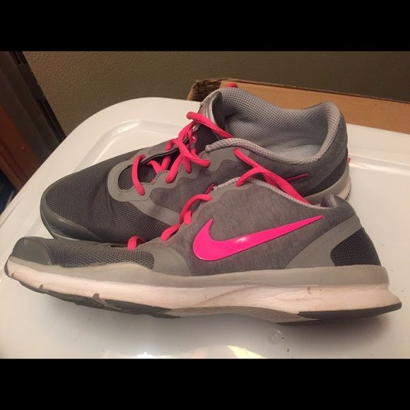 REDUCED AGAIN!!!!!!!!Ladies Nike size 9 These shoes were only worn once.  The wrong size shoes (9) were in a box that was supposed to be an 8.  They are very comfortable and have the stretchy, soft material. I wish they would fit me, but they are just too big. ☹️ Nike Shoes Sneakers