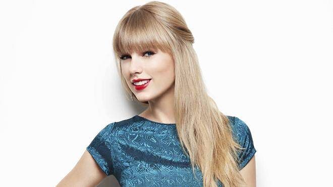 Hair straightening! - I love her long hair - #taylorswift#taylor#swift#1989#love#swiftie#1989worldtour#worldtour by taylorswiftskirt