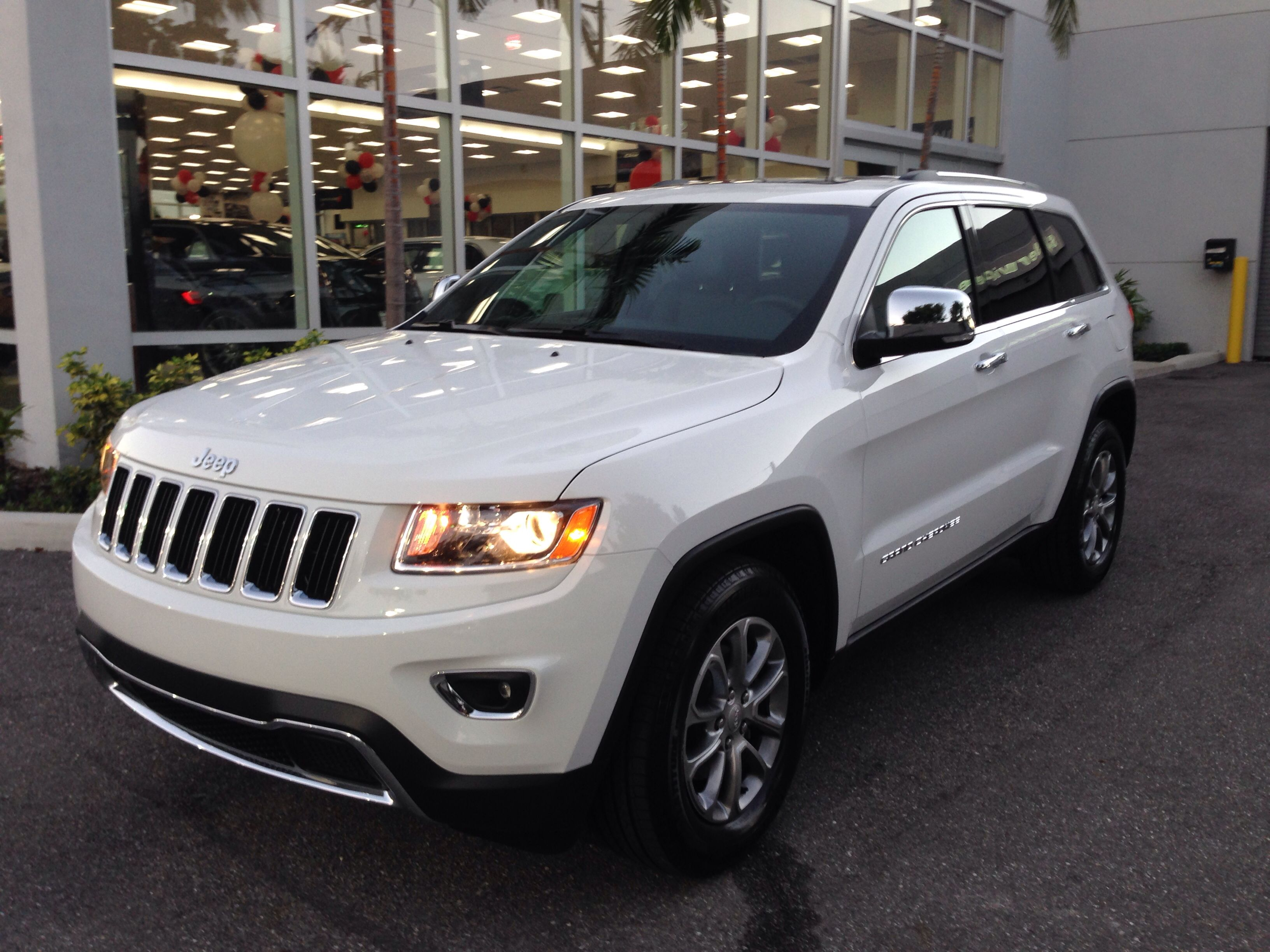 2014 Jeep Grand Cherokee Limited Loved It, But Negative On The 17 City/25  Hwy. A Gain Of Only 4 Mpg