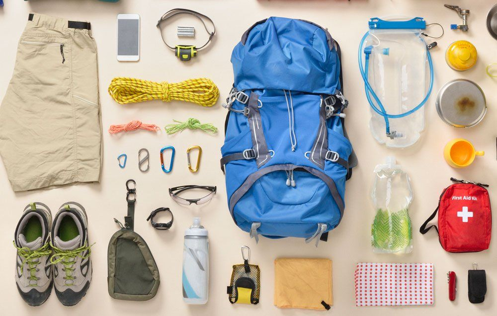 11 Essentials To Pack In An Emergency Go Bag Https Www Rodalesorganiclife