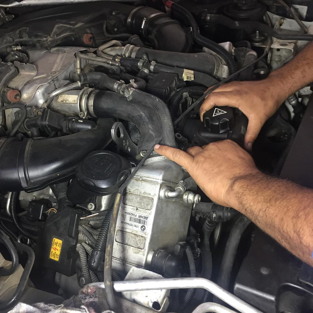 تصليح مشكلة تسريب الزيت والماء فى سيارة Bmw X5
