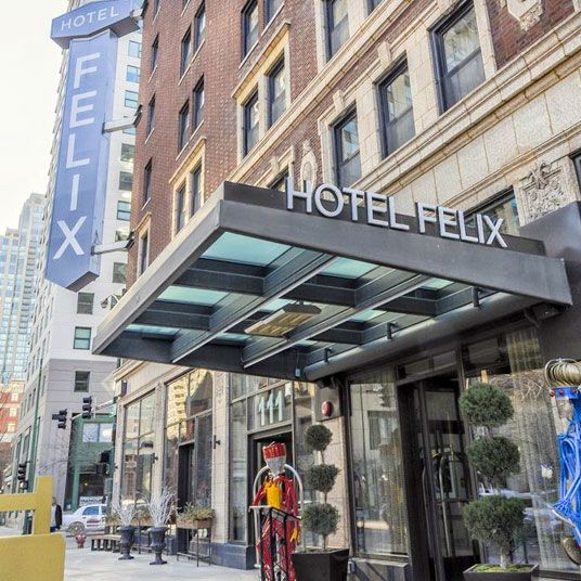 Hotel Felix Chicago Il Felix Occupies A Classic Brick Building