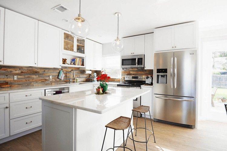 crédence adhésive en bois recyclé, meubles de cuisine blanc neige ...