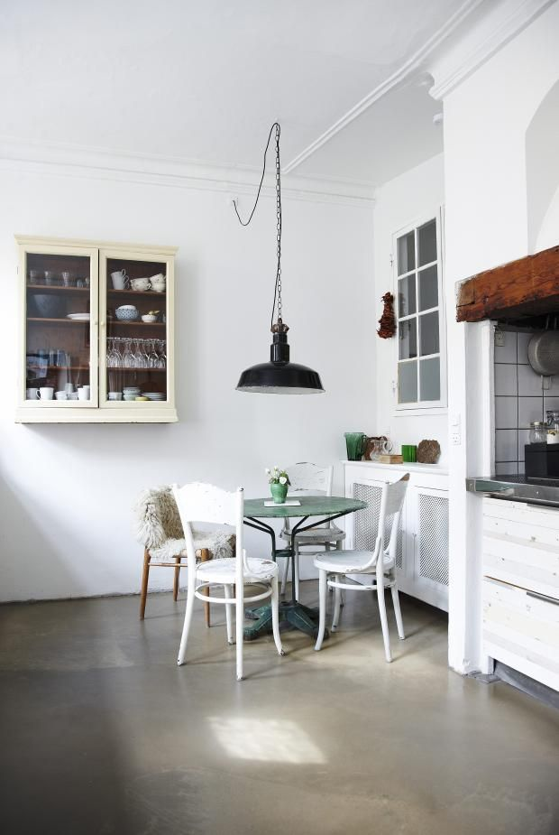 Gå Teatralsk Til Verks I Hjemmet  Kkno  Dining Rooms Cool House With No Dining Room Design Inspiration