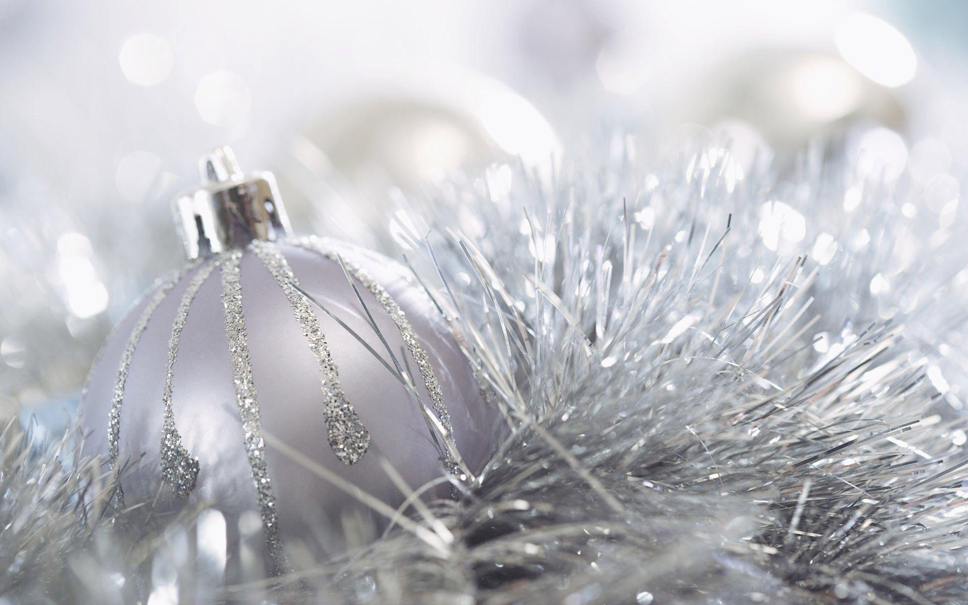 White Christmas Wallpapers Free White Christmas Desktop Backgrounds White Christmas Ornaments Silver Christmas Decorations White Christmas Lights