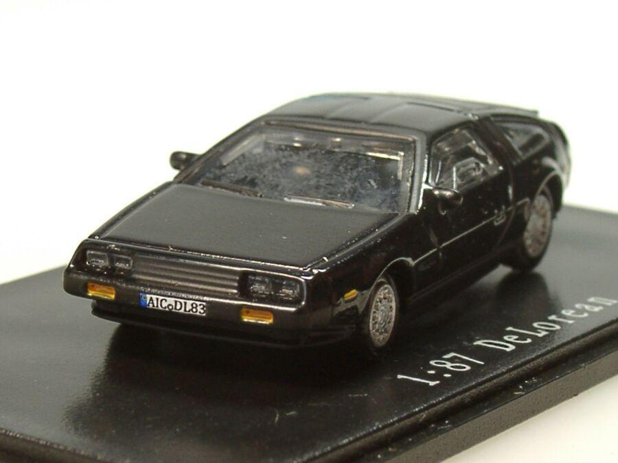 88002.3-1:87 NPE DeLorean schwarz