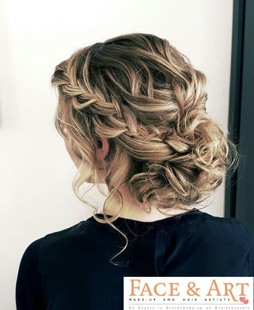 Hair and make up: Linda van Reeven   Info@faceandart.nl  www.faceandart.nl - in the netherlands & belgium. Bruidskapsel los - bridal upstyle - bruidskapsel met vlecht - braids - bruidsmake up naturel - bridal make up - opgestoken bruidskapsel - half opgestoken bruidskapsel - bohemian - vintage