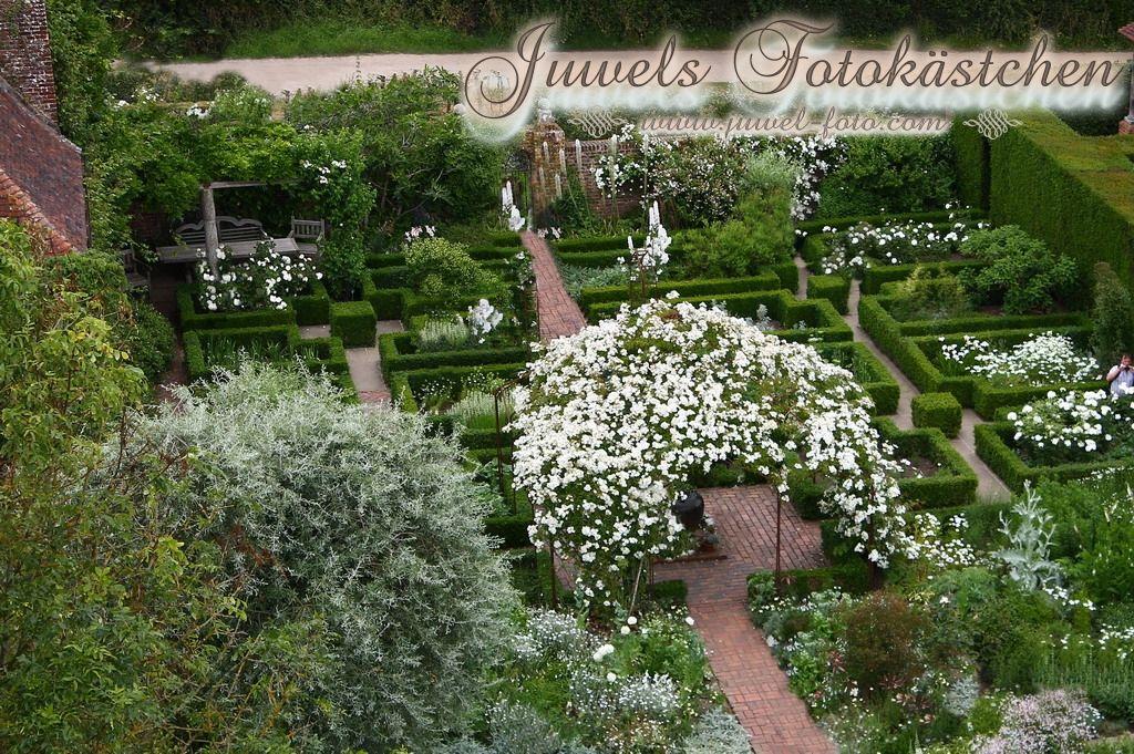 sissinghurst castle garden der wei e garten england schl sser g rten pinterest castles. Black Bedroom Furniture Sets. Home Design Ideas