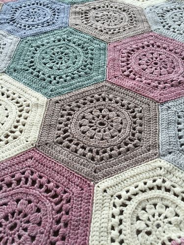 Shetland Mist Hexagon Blanket pattern by Claire Bentley | Bed sizes ...