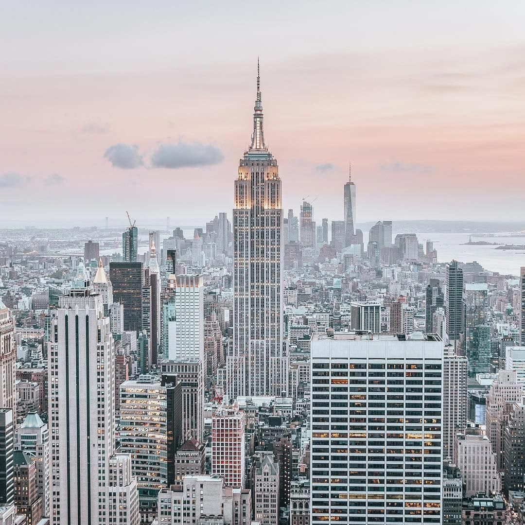 Tons of awesome desktop aesthetic wallpapers to download for free. City Wallpaper in 2020 | Building aesthetic, City ...