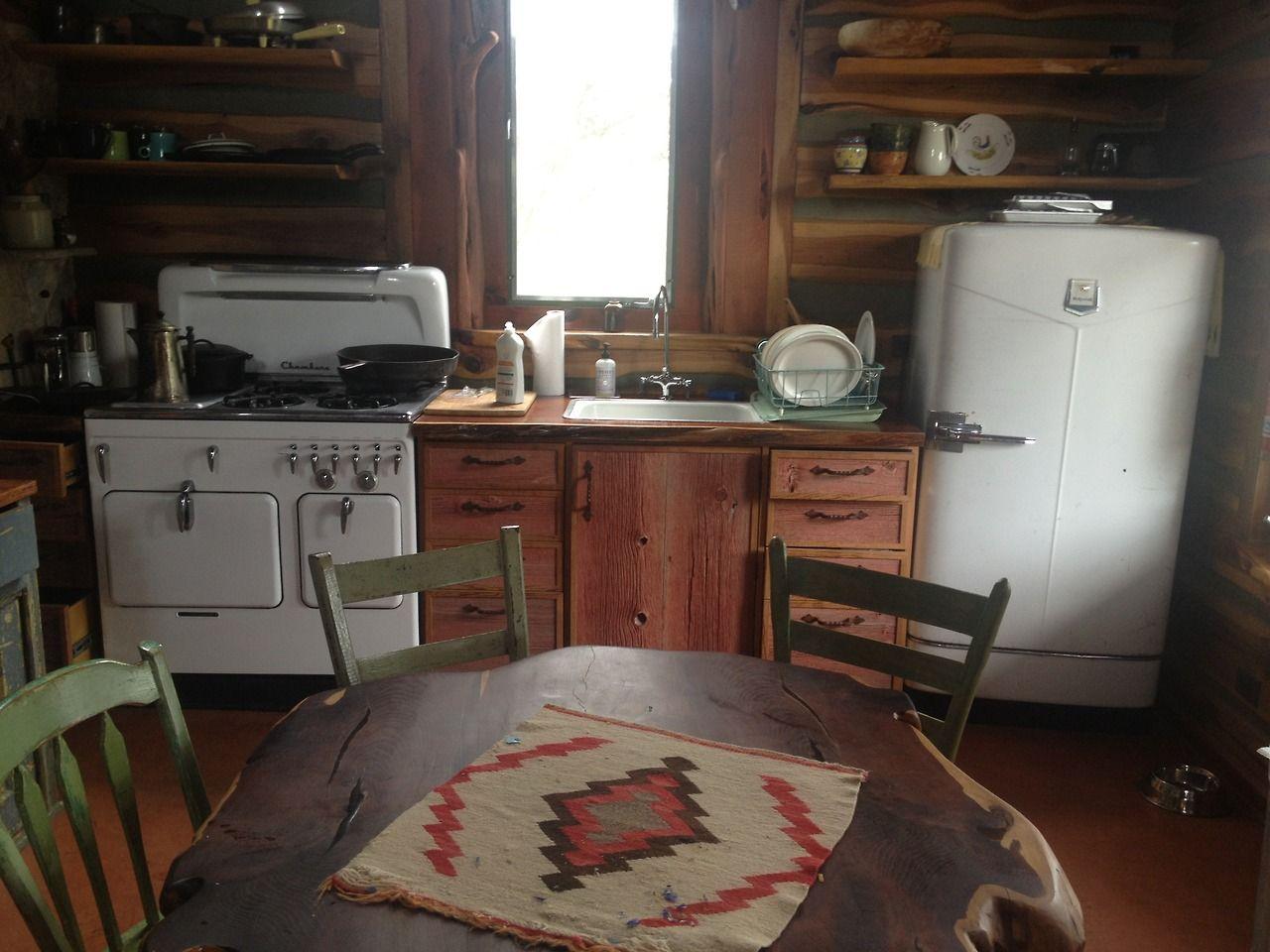 cabin kitchen.  LOVE. LOVE.