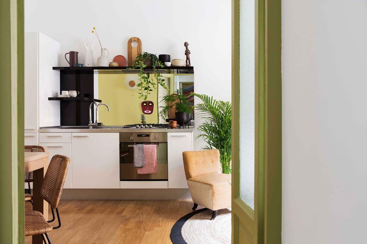 Lo Specchio In Cucina 42 mq a milano: piccoli inganni per migliorare lo spazio