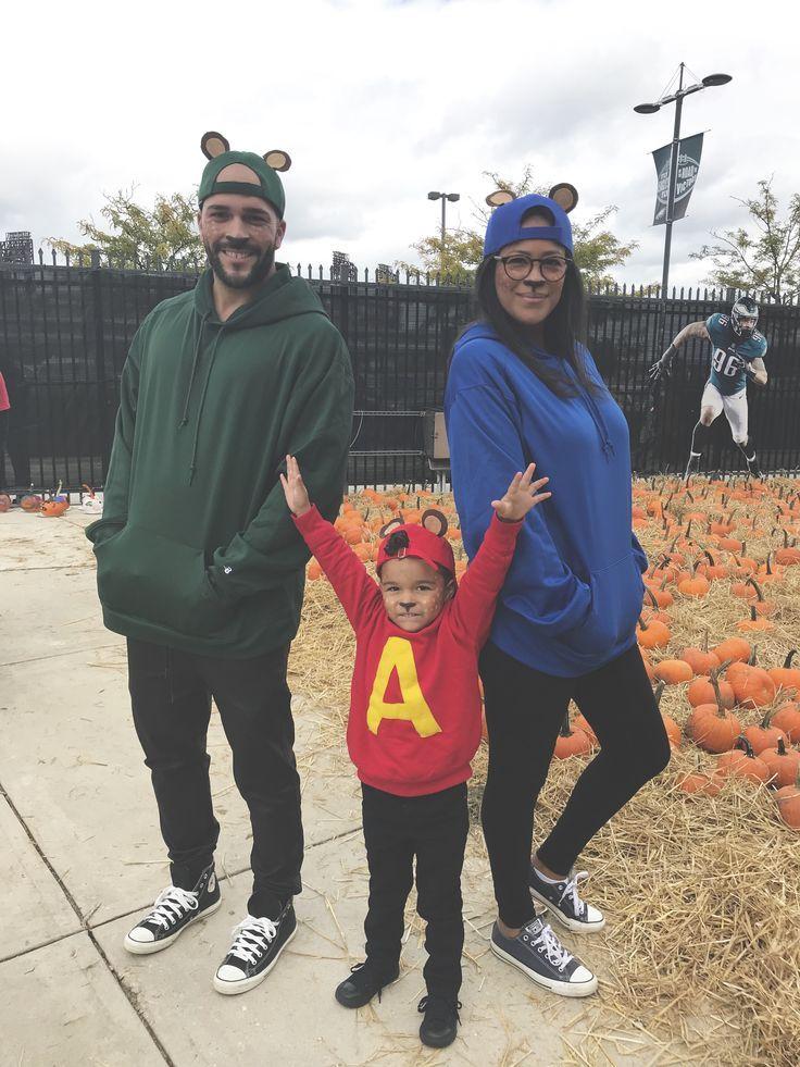 Alvin And The Chipmunks Family Costume Disney Family Costumes Family Costumes Scary Halloween Costumes