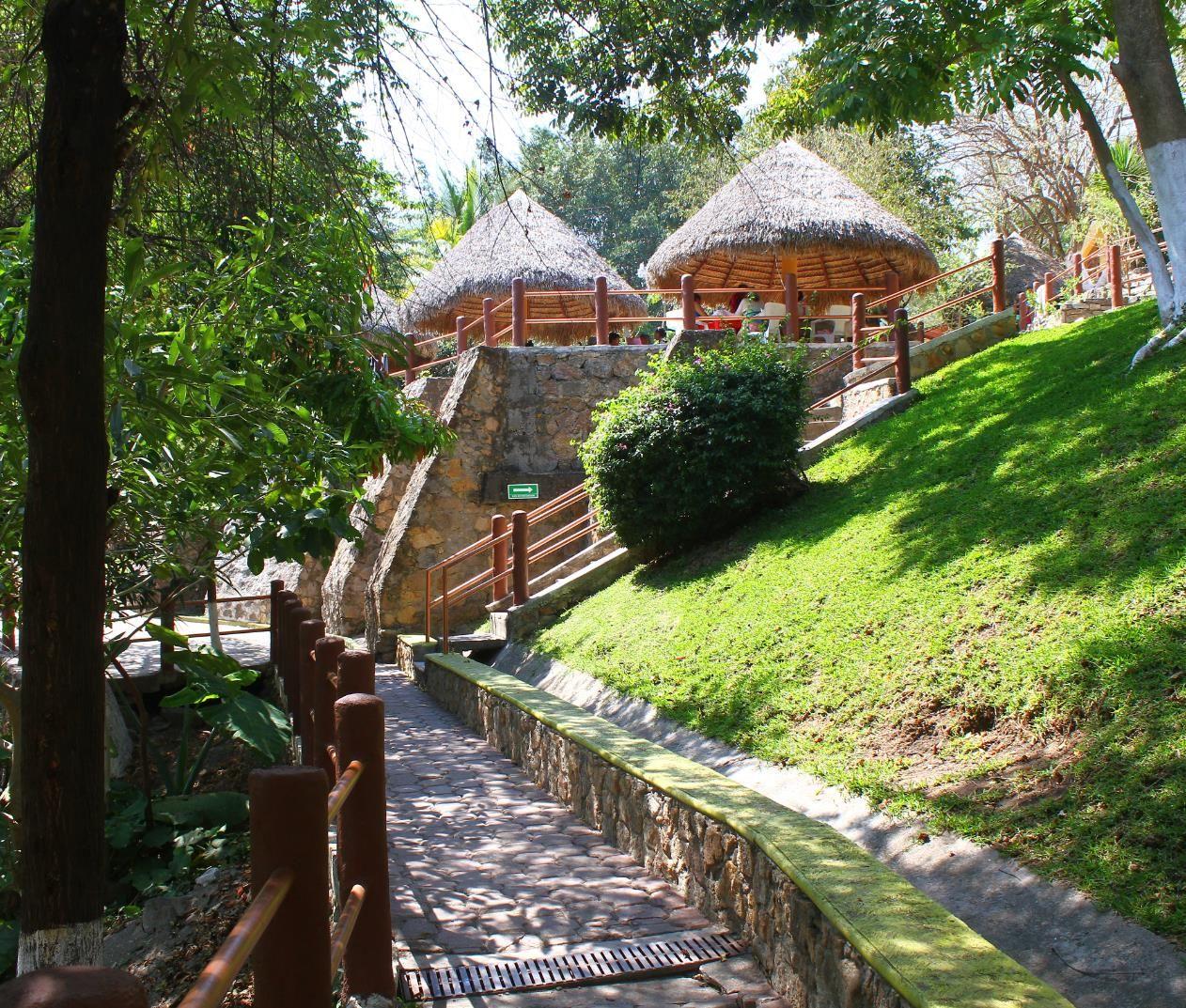 Fotos del Balneario Las Huertas en Morelos 3 Tenemos palapas y cabaas para hospedarte  balneario  House styles Home Decor y Cabin
