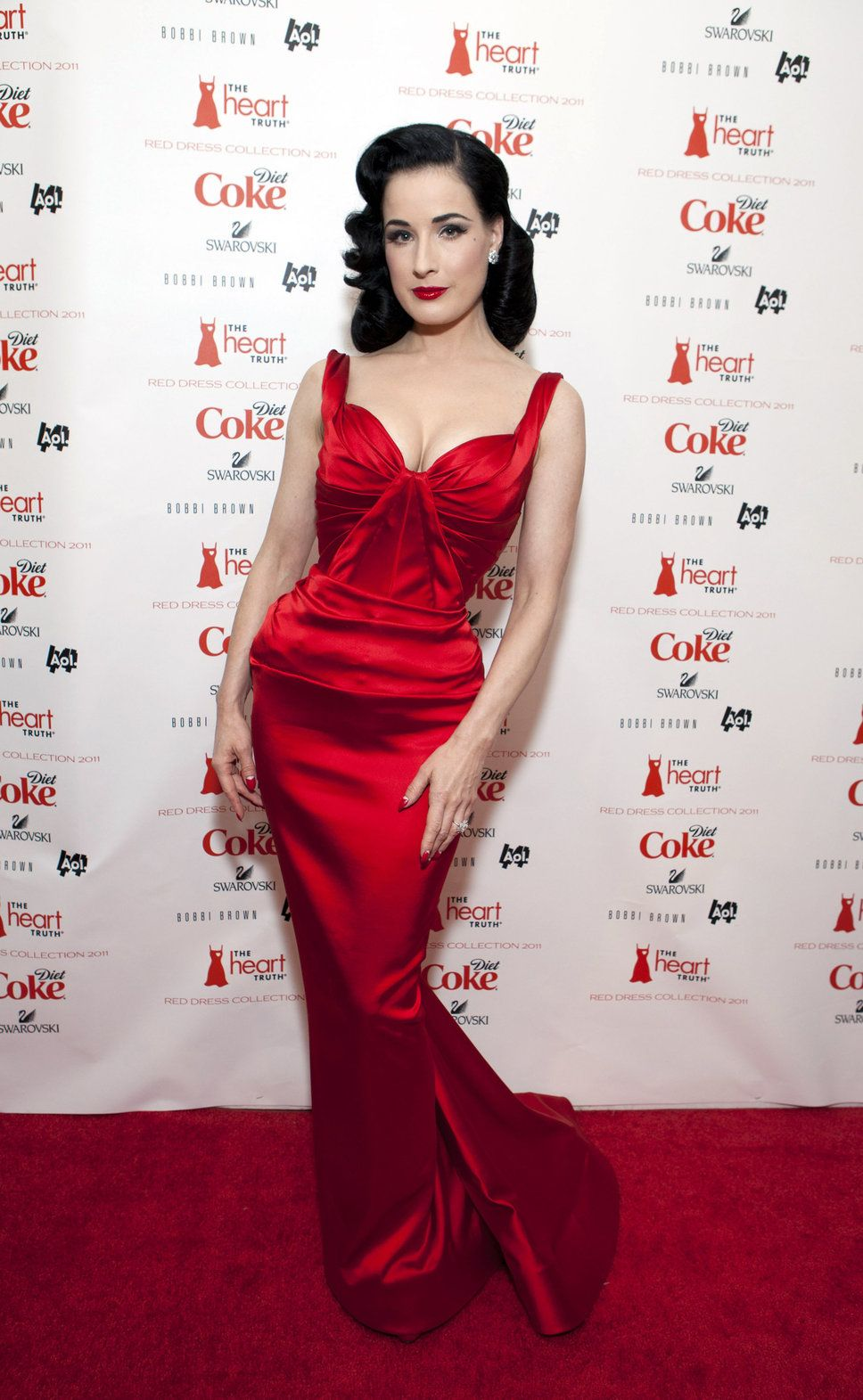 Roter Teppich Rotes Kleid Dita Von Teese This Chick Knows How To Flatter Her Shape Rote