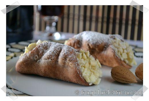 CANNOLI SICILIANI ALLE MANDORLE fragolaelettrica.com Le ricette di Ennio Zaccariello #Ricetta