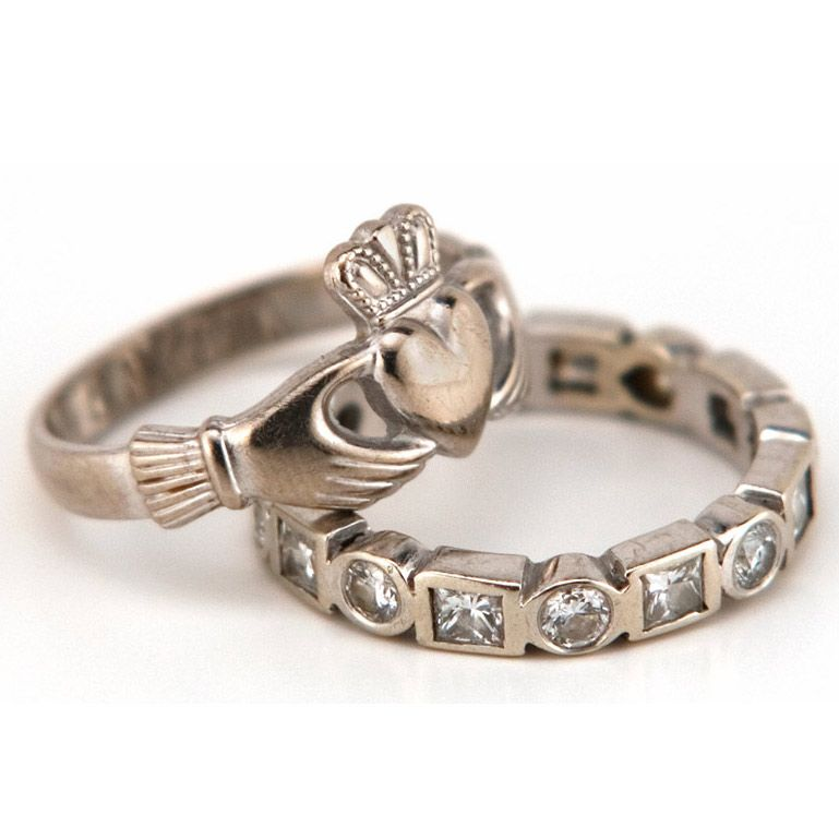 Irish Wedding Traditions Simple Ideas To Include On Your Big Day Irish Wedding Rings Rings With Meaning Claddagh Wedding