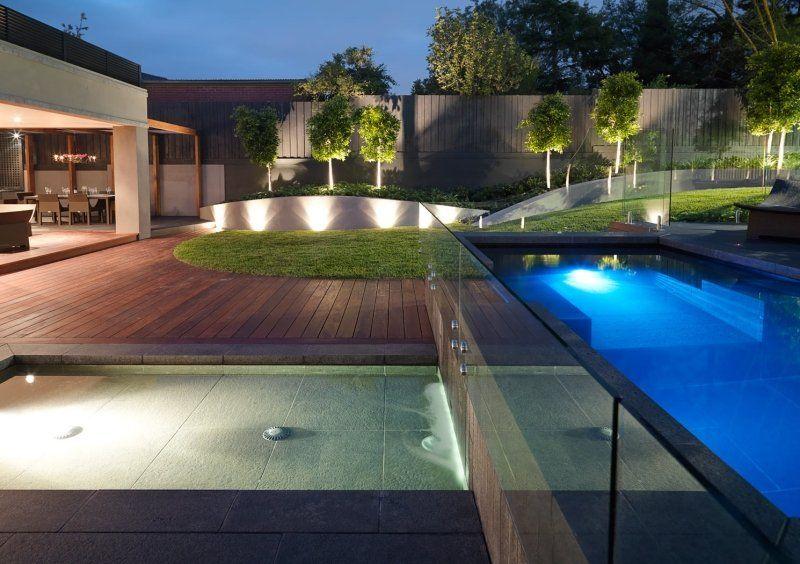 Spot Led Exterieur 45 Idees Sur L Eclairage De Jardin Moderne Eclairage De Jardin Piscine Verre Et Jardin Moderne