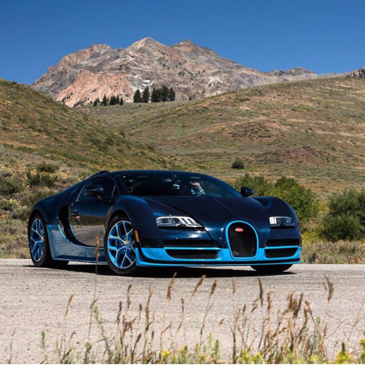 Bugatti Veyron Grand Sport Vitesse Painted In Black And: Bugatti Grand Sport Vitesse Painted In Light Light Blue