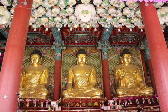 Buddhist temple: 종각 exit 2