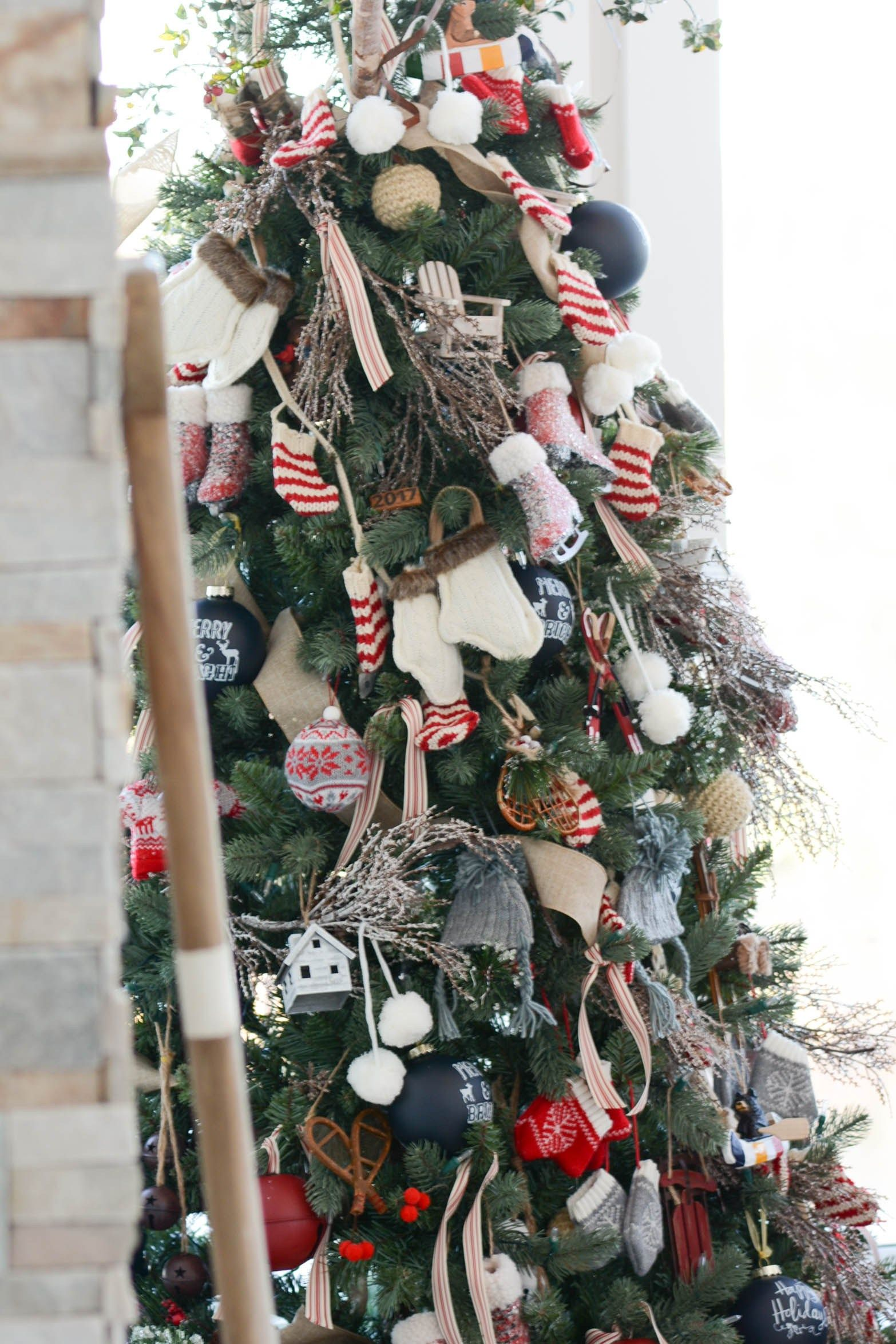 Cabin themed tree lakehouse christmas a pop of pretty