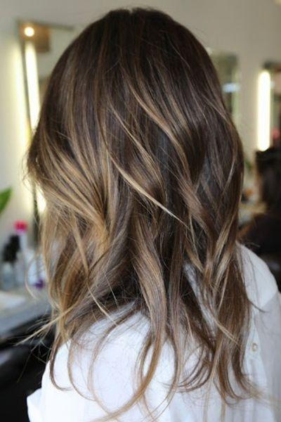 Couleur de cheveux et balayage