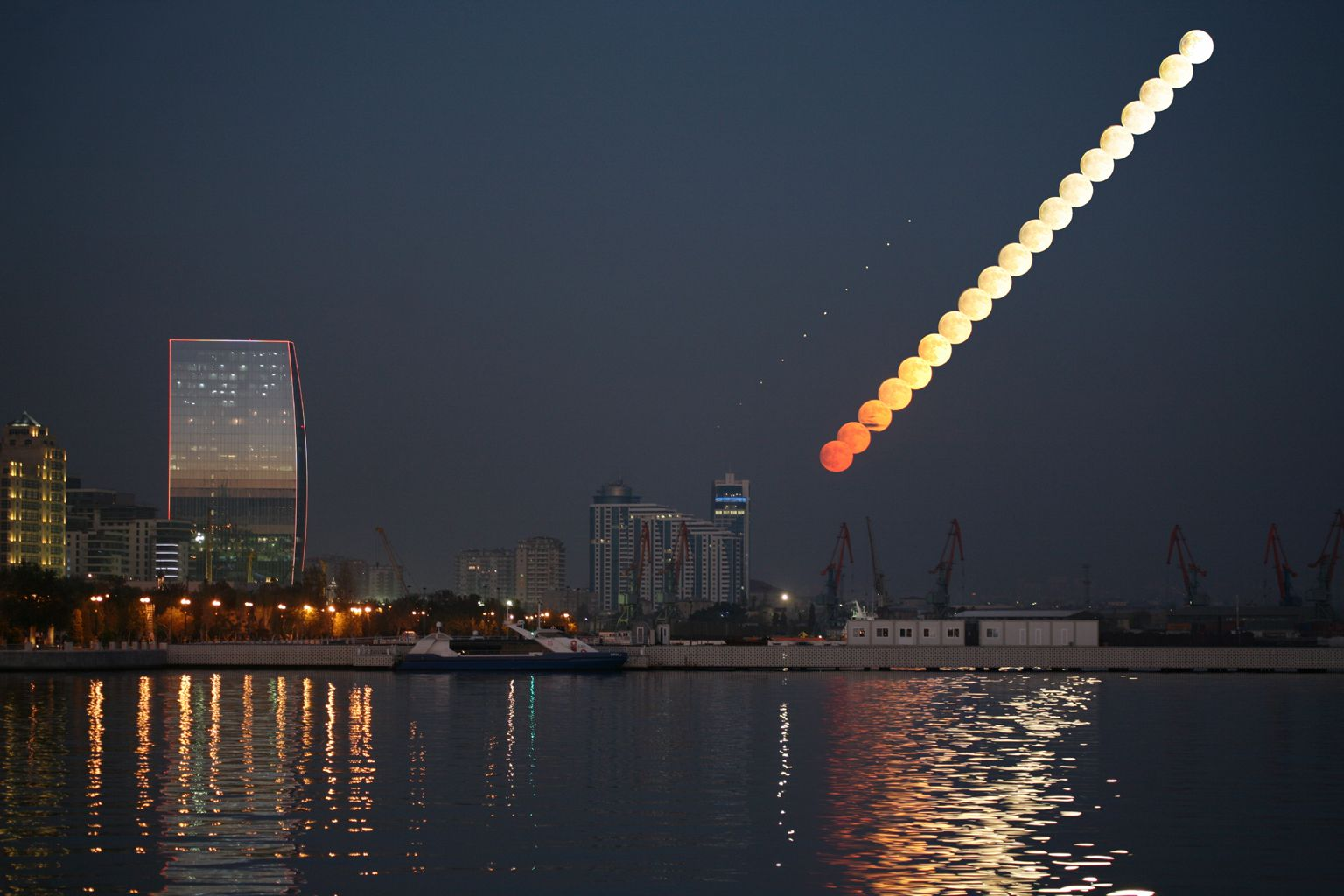 Baku Moonrise Astronomy Pictures Astronomy Brightest Planet