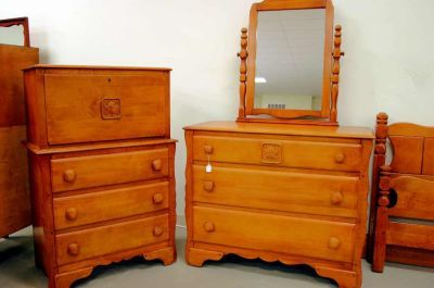 Antique Maple Dresser | ... on Virginia House Maple Bedroom Set Full Bed  Three - Antique Maple Dresser On Virginia House Maple Bedroom Set Full