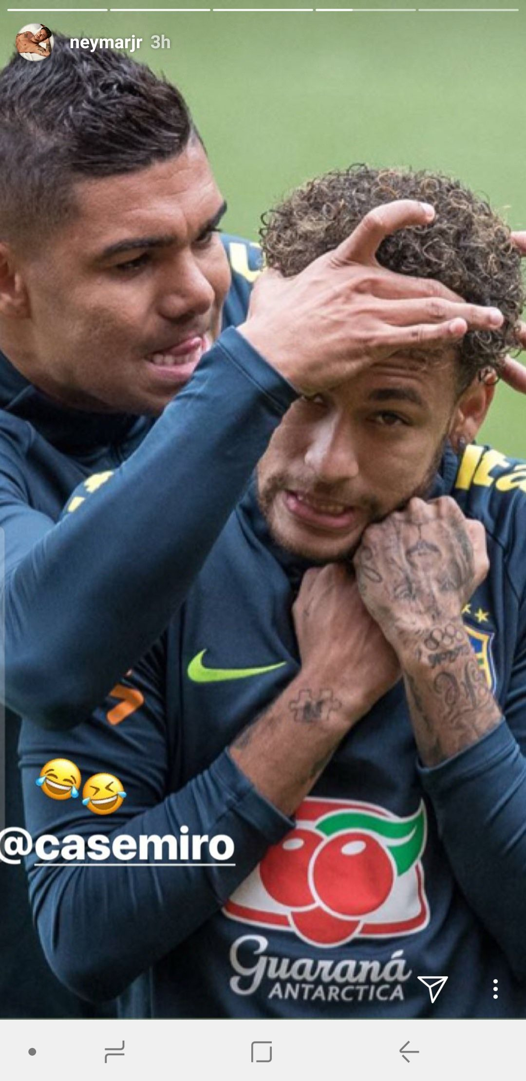 Neymar and Casemiro recreating that famous interaction