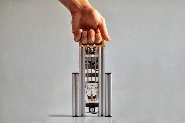 LumiFold: Una impresora 3D portátil y plegable por 300 euros en IndieGoGo http://www.print3dworld.es/2013/10/lumifold-una-impresora-3d-portatil-y-plegable-por-300-euros-en-indiegogo.html