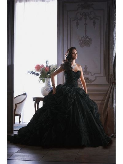 Black Ball Gown Gothic Wedding Dress - Devilnight.co.uk | Pretty ...