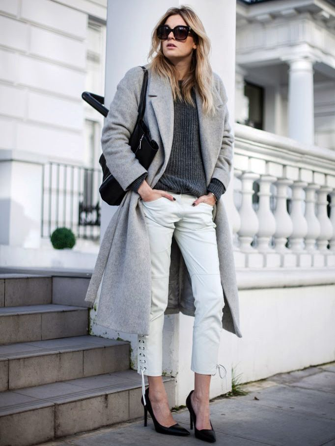It goes without saying that a chunky knit sweater is a fall staple in every stylish woman's off-duty wardrobe. See how these five bloggers style the cozy piece for everyday:Look 1             ...