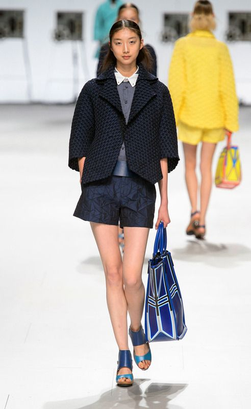Issey Miyake - PFW Spring/Summer 2015 - www.so-sophisticated.com