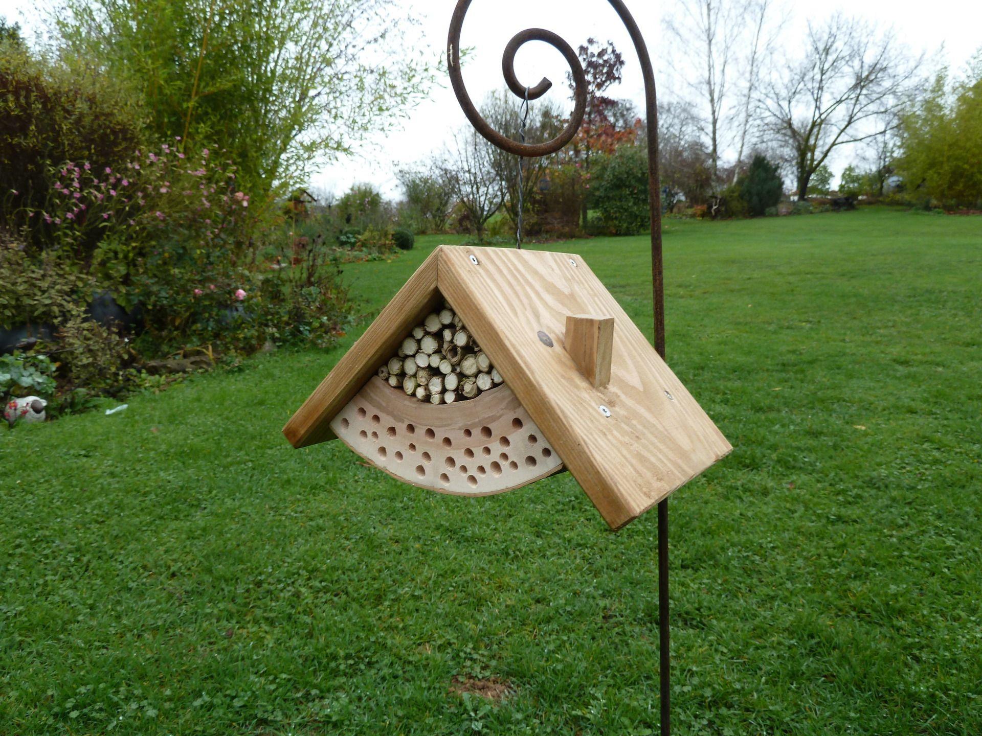 h tel insectes maison pour abeilles solitaires accessoires de maison par peps et top vive. Black Bedroom Furniture Sets. Home Design Ideas
