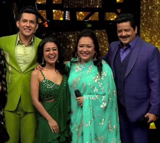 Indian Idol 11 Udit Narayan Wants Neha Kakkar To Marry His Son Aditya Even Fixes The Wedding Date On In 2020 Neha Kakkar Dresses Indian Idol Celebrity Fashion Looks