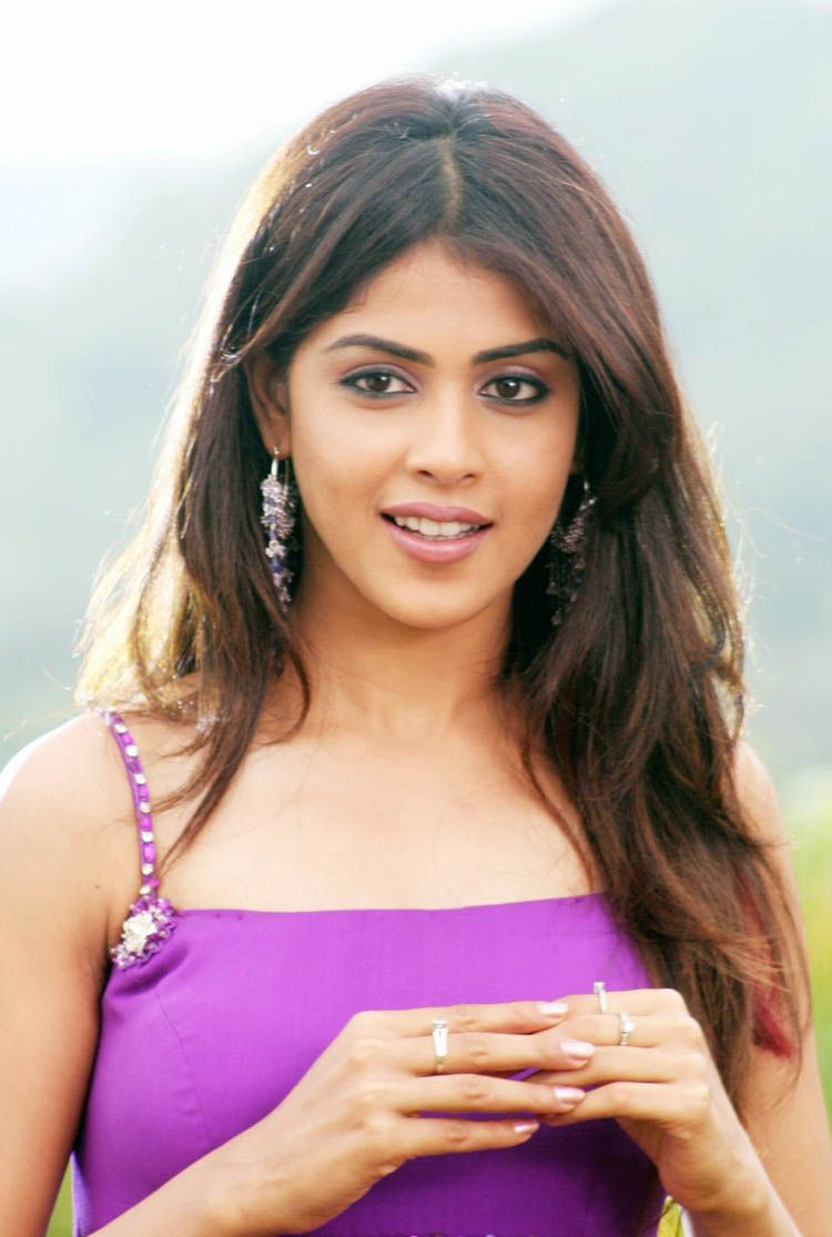 Genelia Dsouza Sex Cool awesome beautiful and glamour indian actress genelia | awesome