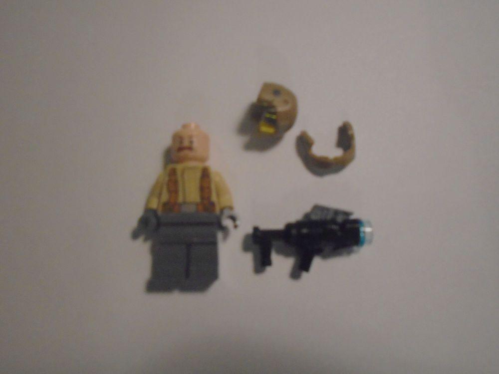 LEGO Star Wars Resistance Trooper mustache minifigure 75131