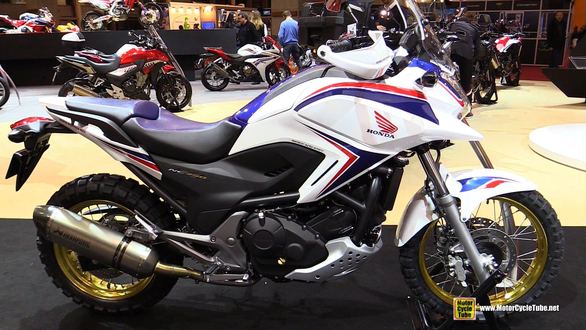 2016 honda nc750x walkaround 2015 salon de la moto. Black Bedroom Furniture Sets. Home Design Ideas