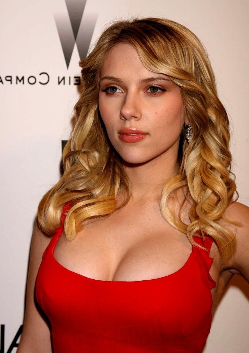 scarlett-johansson-red-dress-pic-4391648.jpg (820×1161) | ICONIC ...