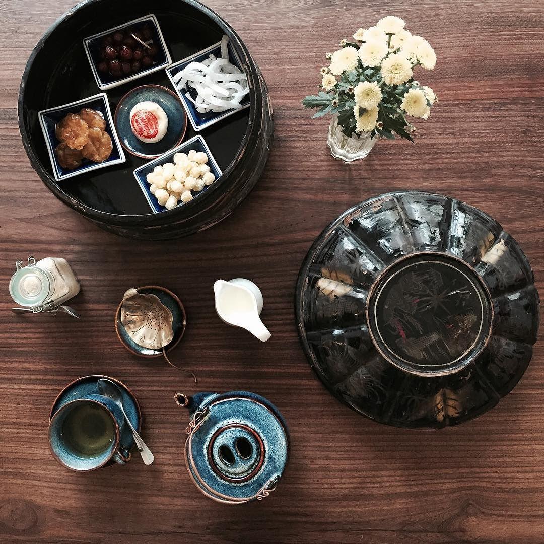 Vietnamese afternoon tea #saigonesekitchen #vscocamhochiminh #coffeevibes #travel #instagood #nhacuacoffeeholic #vietnameseafternoontea #lozisaigon by kalen.miumiu