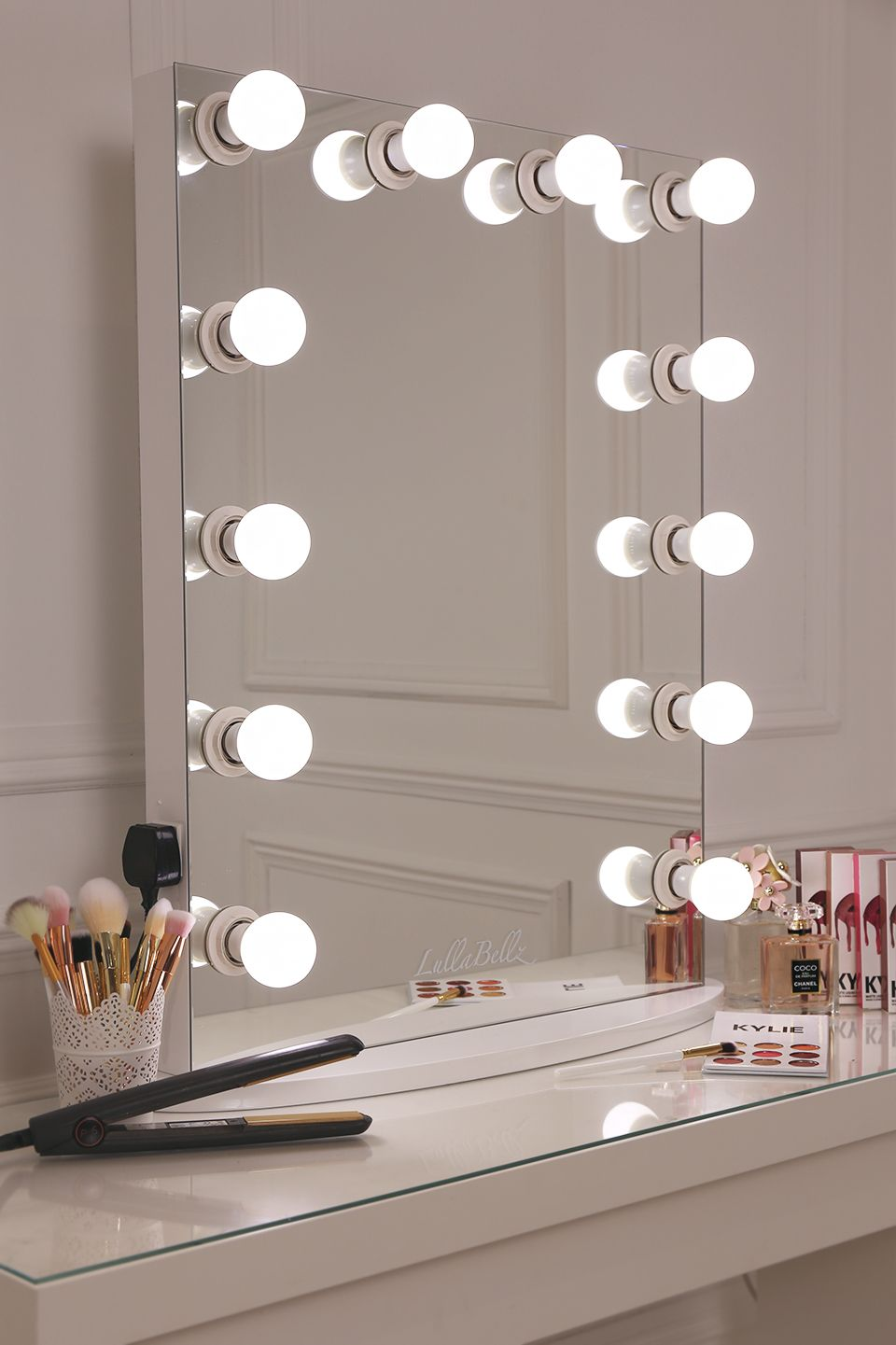 Diy Vanity Mirror With Lights For Bathroom And Makeup Station  # Muebles Dayer Esperanza