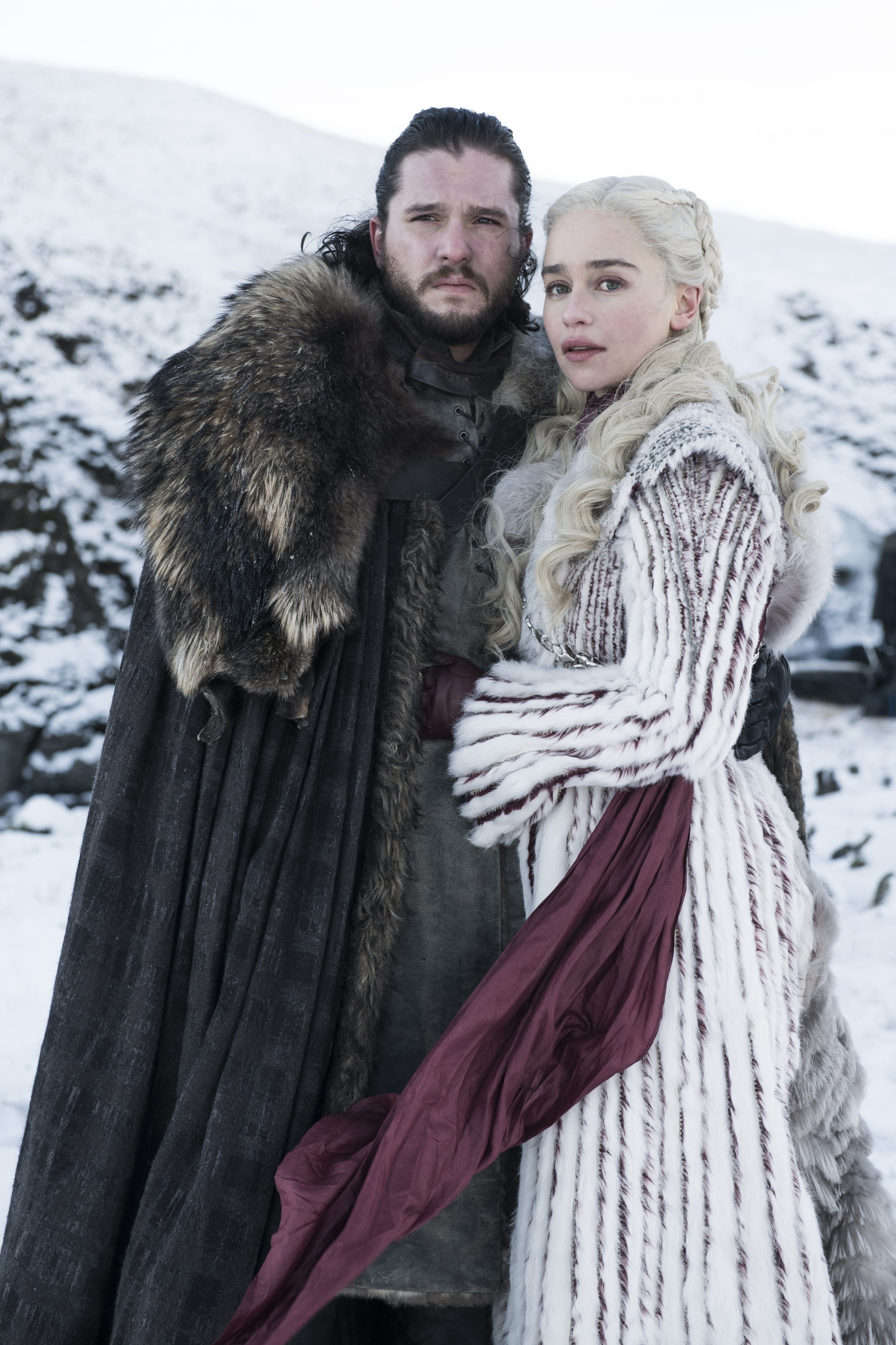 Pin by 𝓢𝓲𝓶𝓹𝓵𝔂 𝓢𝓪𝓵 on Fantasy costumes   Jon snow and ...