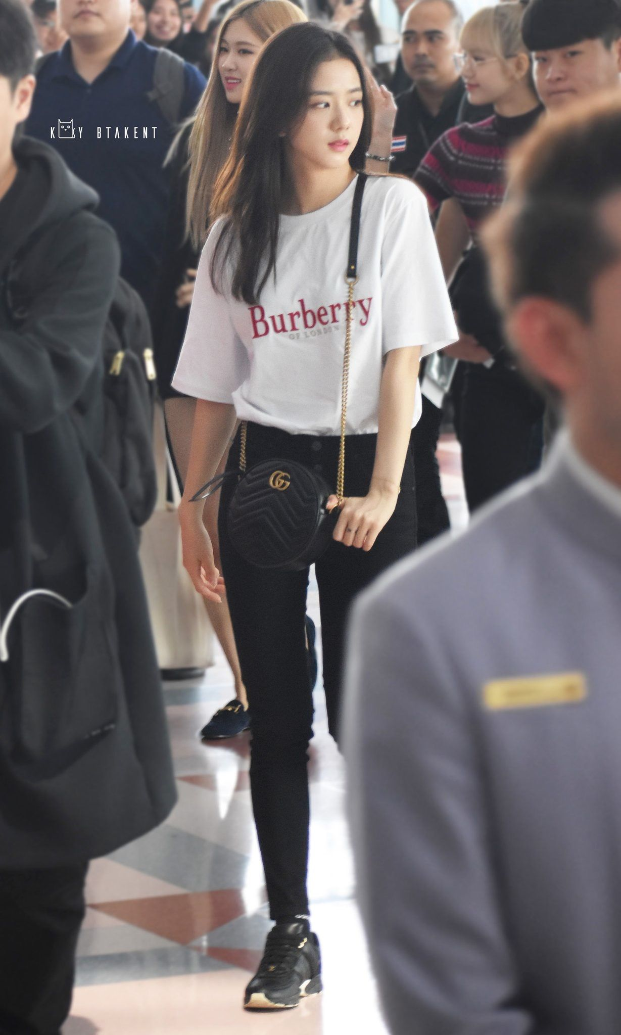Pin by よしのり on Black pink ジス | Blackpink fashion, Airport ...