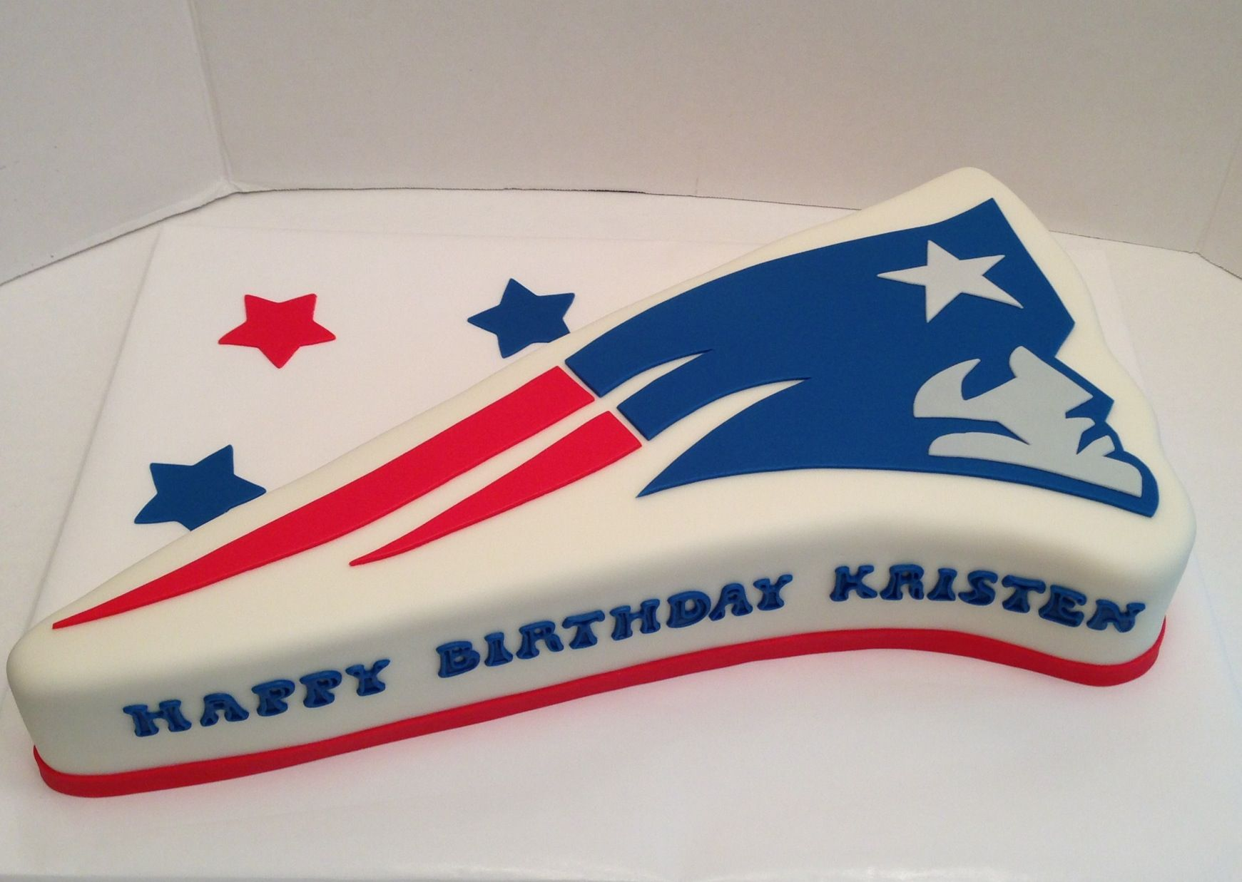 New England Patriots Cake Made For A Big Fan All Fondant Original Design By Happy Cakes By Renee Http Ha Patriotic Cake Birthday Sheet Cakes Its My Bday