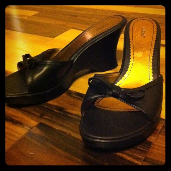"""Black heels 1/2 wedge 3"""" new with bow size 9W Black heels 1/2 wedge 3"""" with bow on front Shoes Heels"""