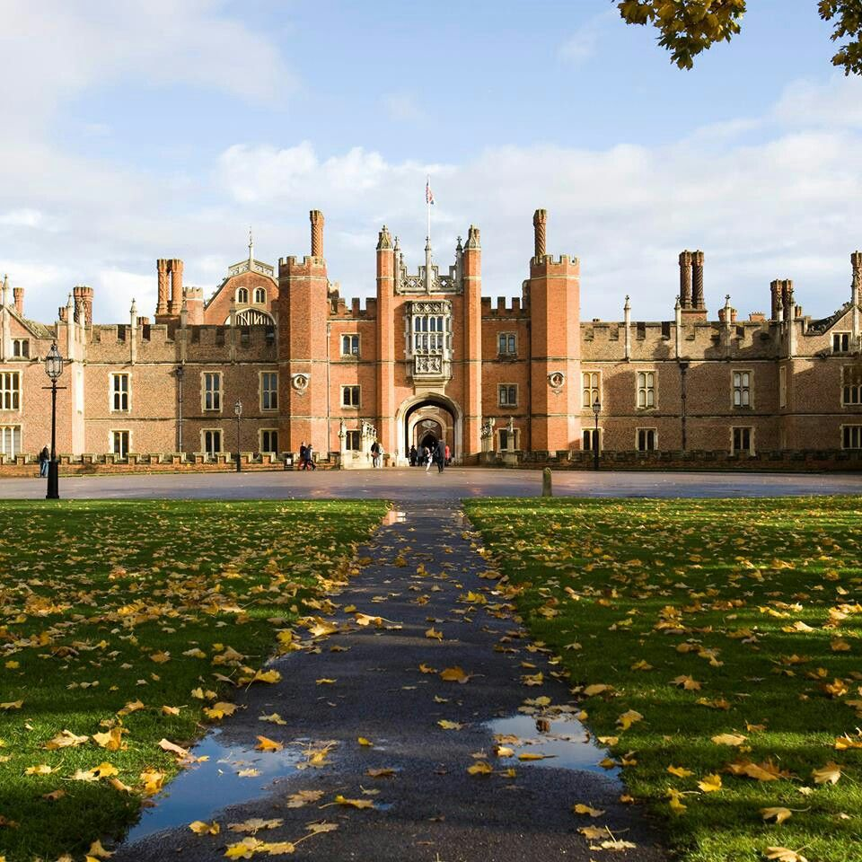 British Apartments: Castle, Beautiful Castles, Hampton