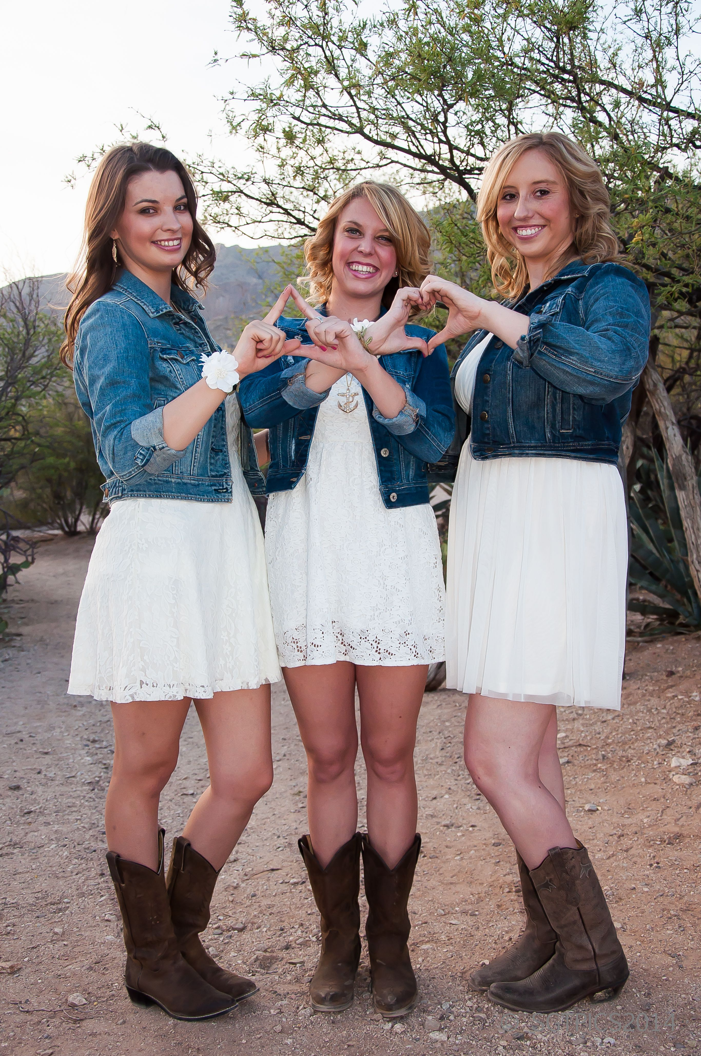 u of a tri~delta sorority girls throwin what they know. desert of
