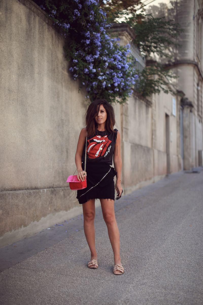 Blog Mode Tendances Le Petit Monde De Julie T Shirt Rock Rolling Stones Jupe Noire Zip Zara Sac Rose Pull Bear Blog Mode Tendance Mode Tendance Blog Mode