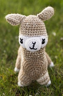This alpaca is made mostly of one piece. | Crochet patterns ... | 320x213