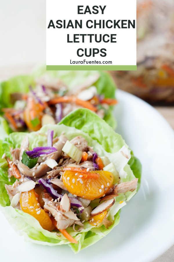 Les tasses de salade de poulet à la salade asiatique sont faciles à assembler et constituent un déjeuner parfait.